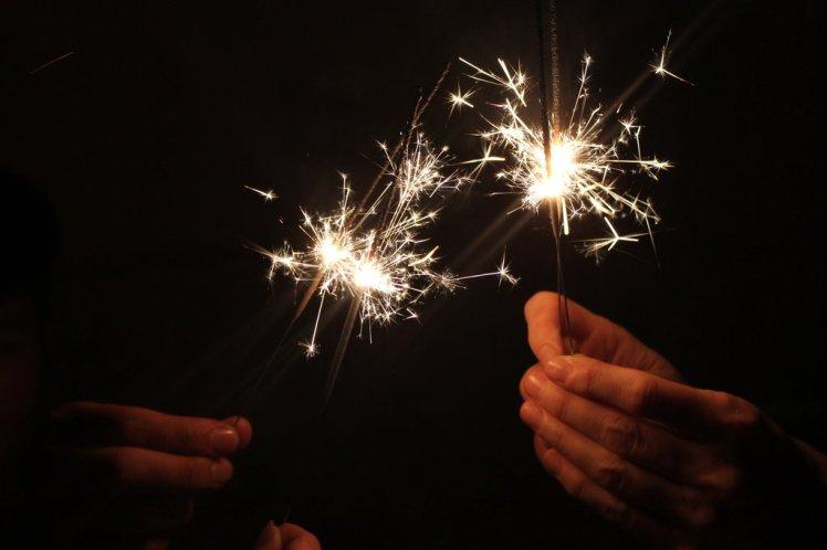 new_year_sparks_by_bakaneko8-d70agcg